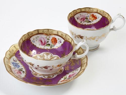 紅茶にまつわるアンティーク ~合理的な英国人が生み出した「トリオ」~