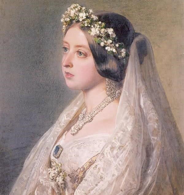 英国王室とジュエリー ~ロイヤルウエディングとサファイア~