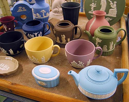 紅茶にまつわるアンティーク ~ウェッジウッド社の「ジャスパーウェア」~