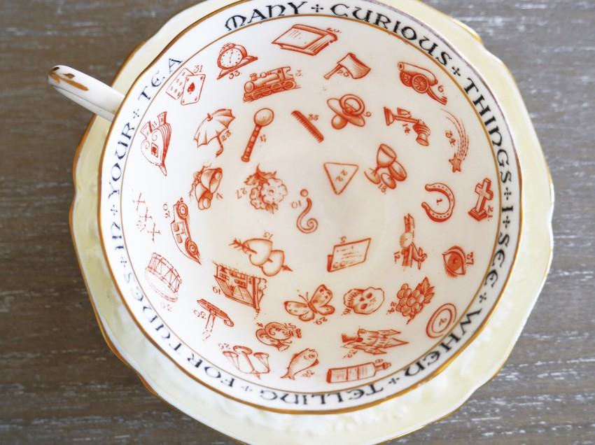 『イギリス紅茶占いティーカップ』(書籍)をご希望の方はこちらへ